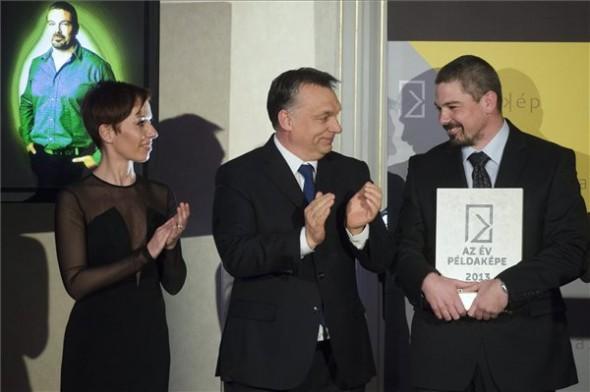 Orbán Példaként állította Magát A Fiatal Vállalkozók Elé Propeller