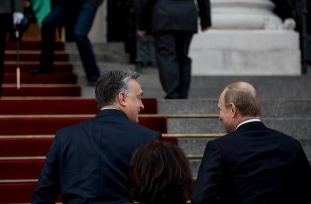 Isten hozta Putyin urat! – Itt vannak az első szerelmes fotók