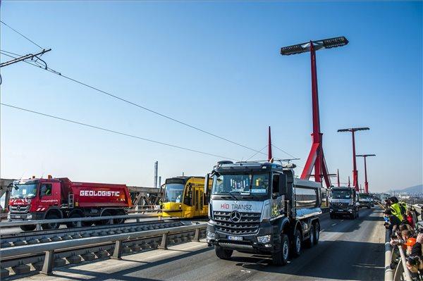 Befejeződött a Rákóczi híd próbaterhelése