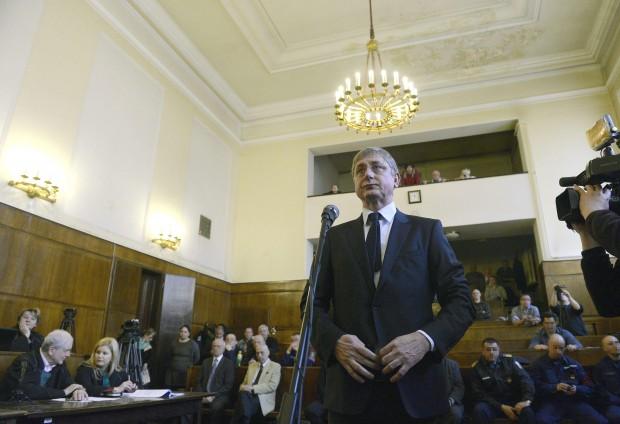 Gyurcsányt meghallgatták a Fővárosi Törvényszéken