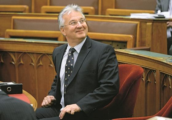 Tíz fideszes képviselő, akik egy büdös szót nem szóltak a parlamentben